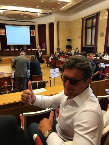 Rada Miasta Warszawy jednogłośnie za pomysłem biletu metropolitalnego!