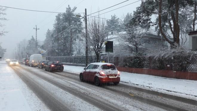 Uwaga na trudne warunki pogodowe na lokalnych drogach
