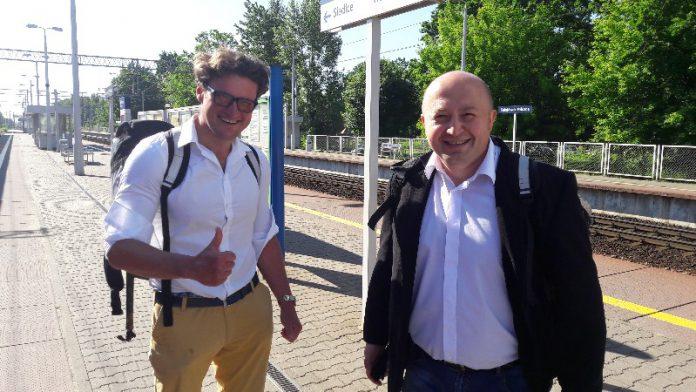 Wiceburmistrz Sulejówka Remigiusz Górniak oraz Przewodniczący Rady Miasta Sulejówek Daniel Dąbrowski (Fot: Hubert Wasilewski)