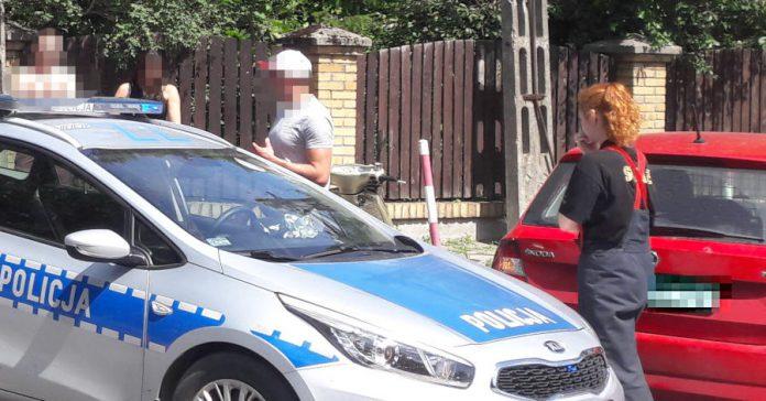 Zderzenie samochodu osobowego ze skuterem! Sulejówek (Fot: Hubert Wasilewski)