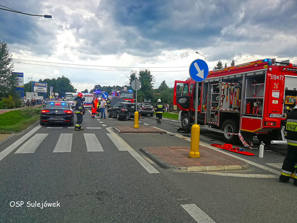 Zderzenie czterech samochodów w miejscowości Nowy Konik! (Źródło: OSP Sulejówek)
