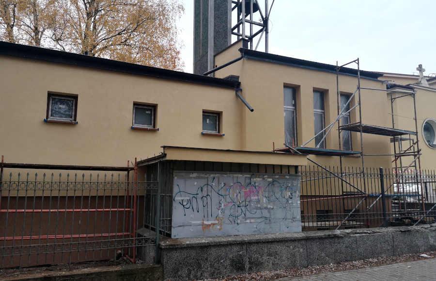 Termomodernizacja budynku dzwonnicy przy Kościele Przemienienia Pańskiego w Sulejówku (Fot: Hubert Wasilewski)